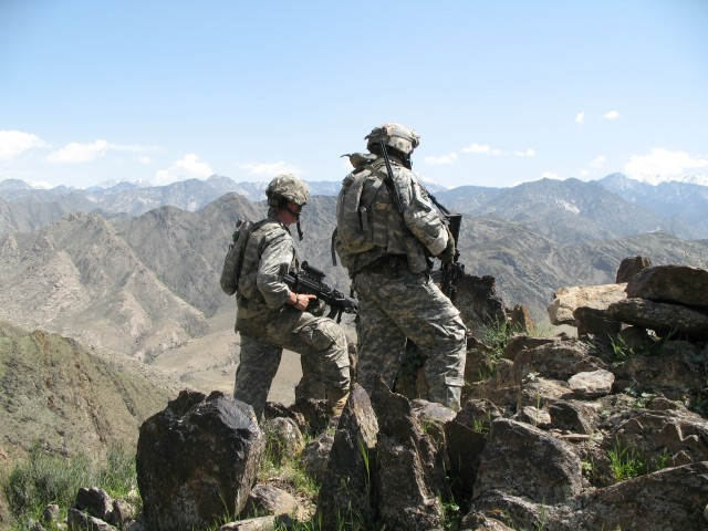 US troops look out over Nuristan, 2007