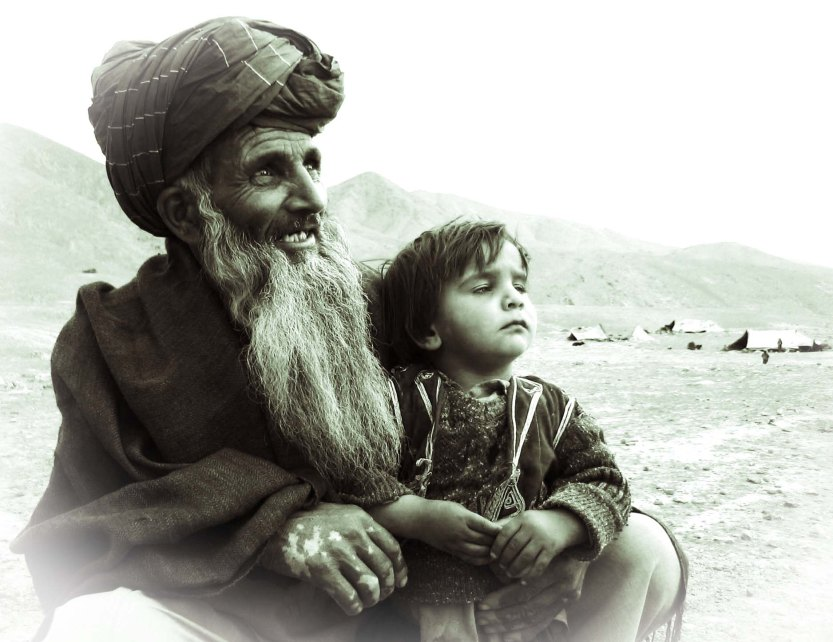 Grandfather and his grand daughter west of Kabul 05