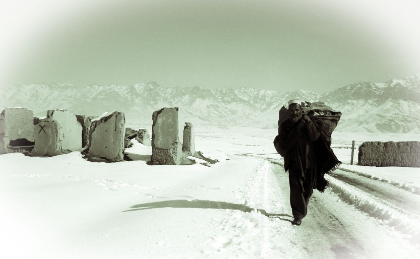Winter scene north of Kabul 05
